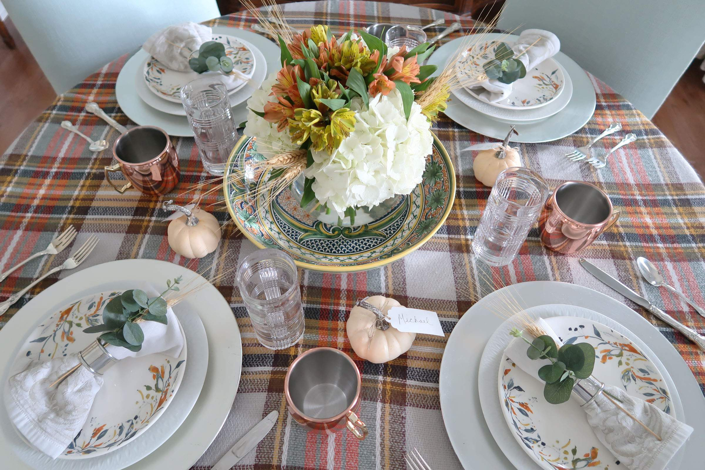 Last Minute Tablescape-Thanksgiving-Porch Daydreamer-Round Table