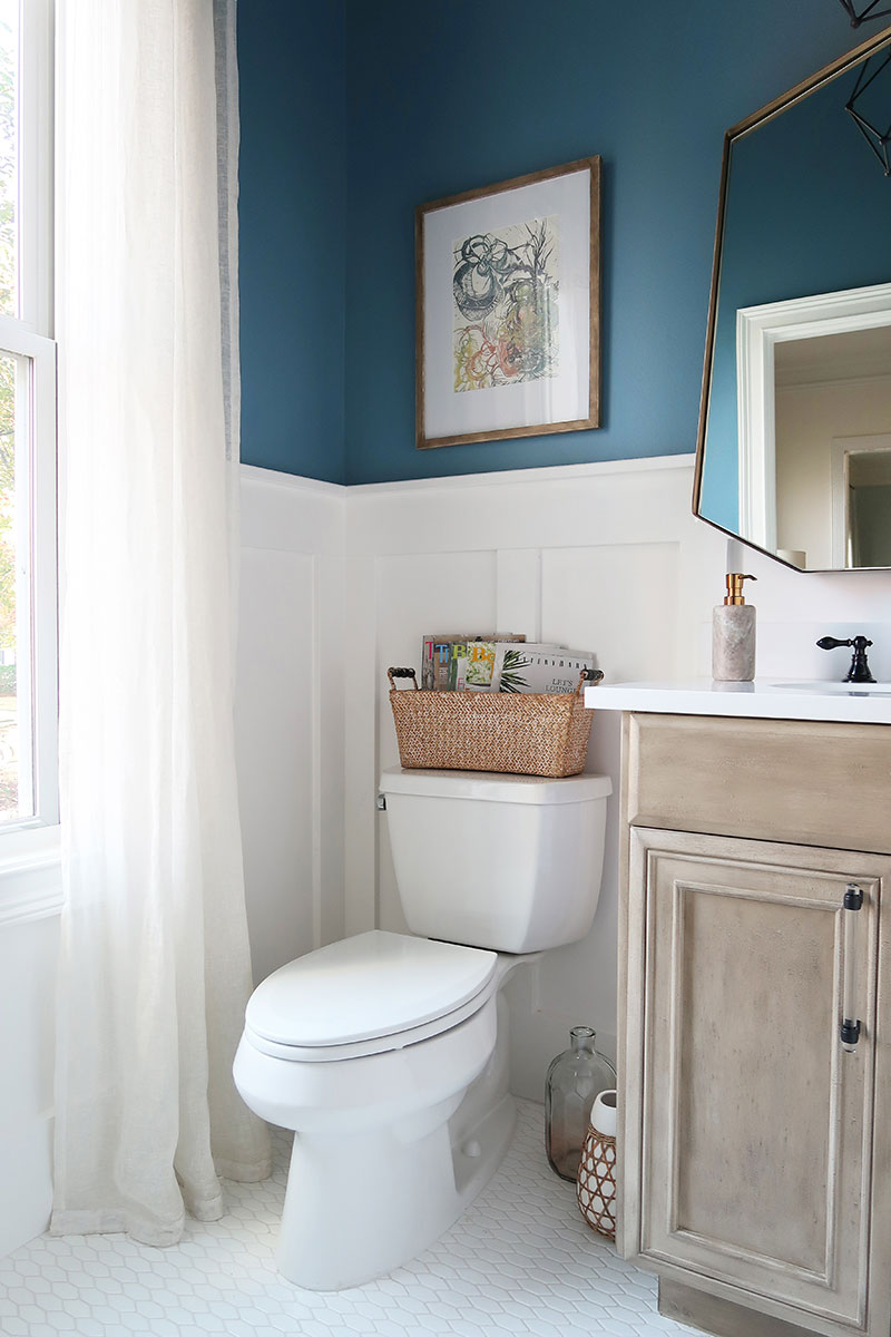 Gauzy-Drapes-soften-edges-toilet-white-board-and-batten