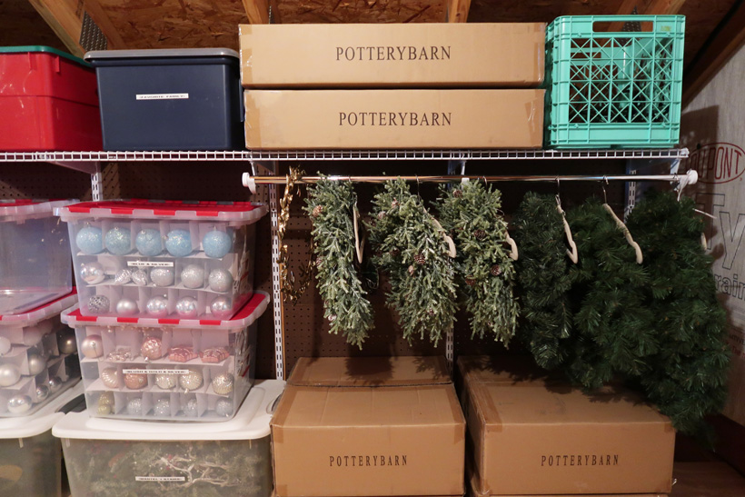 creative-way-to-organize-and-store-wreaths