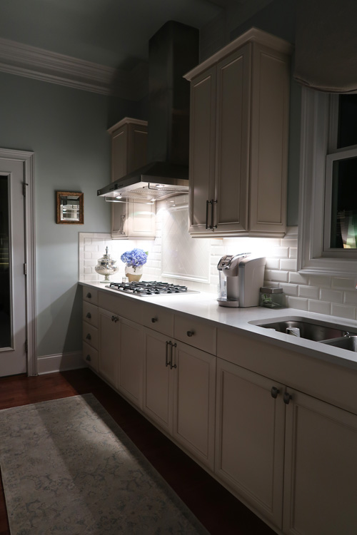 LED-under-cabinet-lights-at-night-dimmed