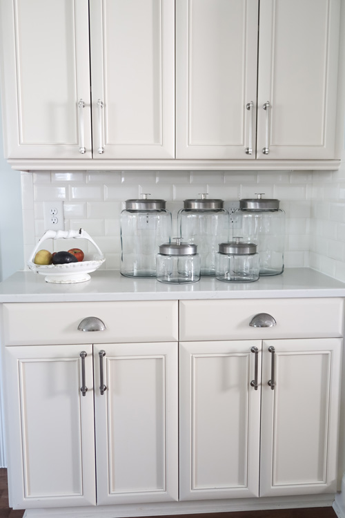 empty-glass-jars-on-quartz-counters