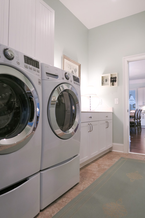 laundry-room-clothesline-fresh-paint-color