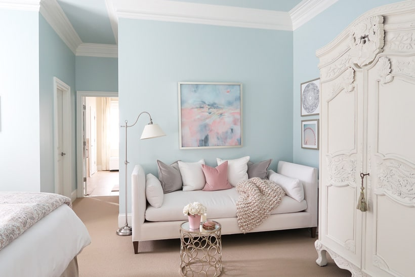 blue-and-white-master-bedroom-with-deep-crown-moulding