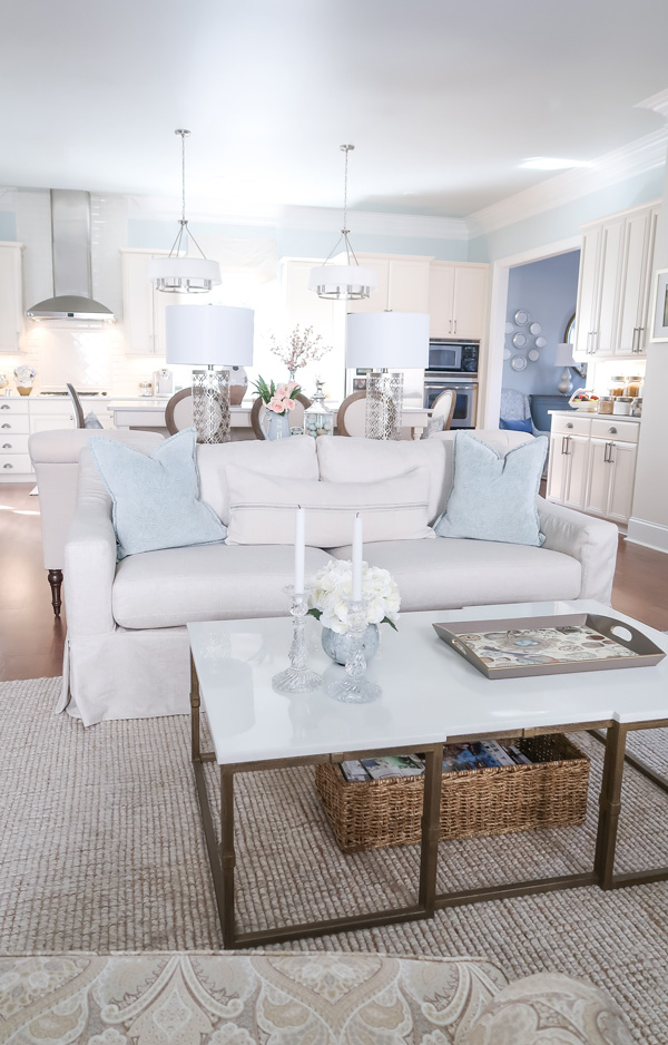 pottery-barn-york-slipcovered-sofa-crypton-oatmeal-in-family-room-and-open-concept-kitchen