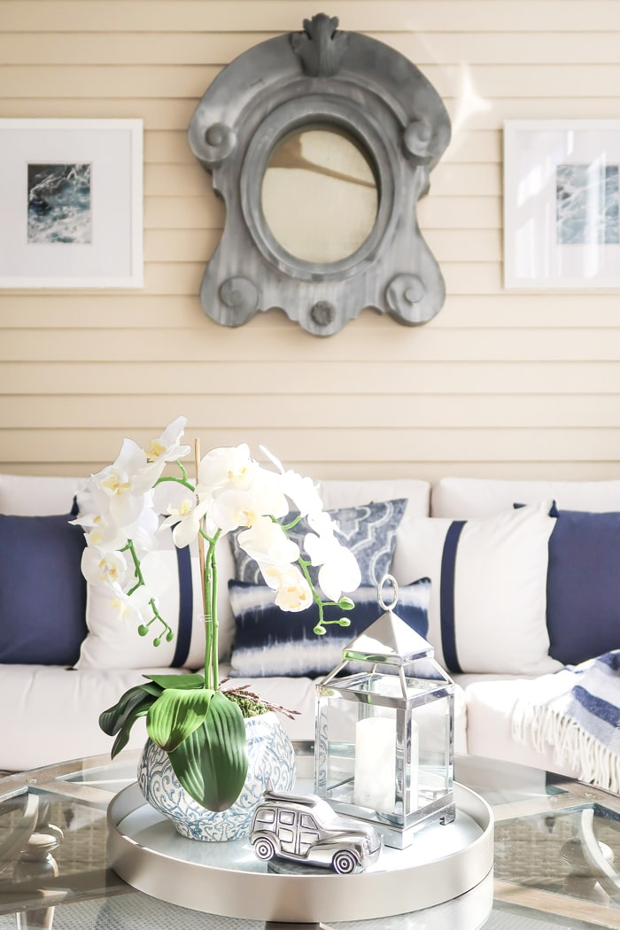 Circular-Tray-with-orchid-car-lantern-blue-white-driftwood-porch-hr-min