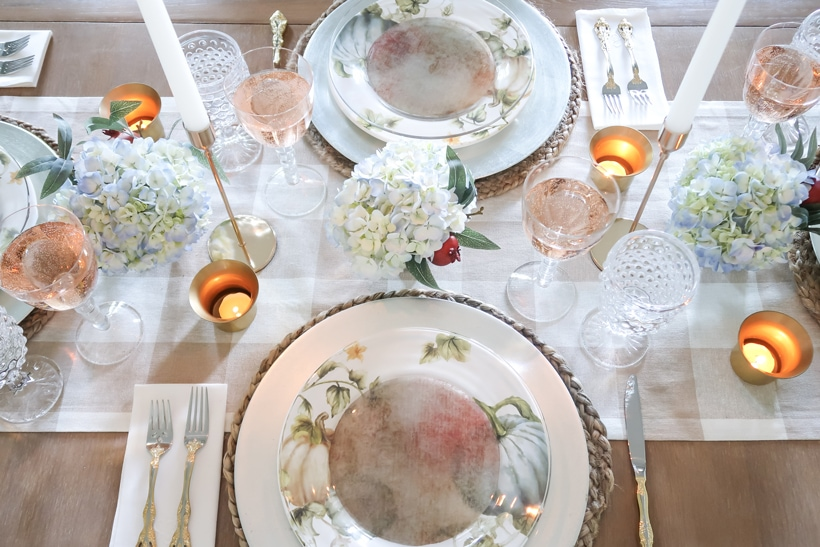 wide-shot-french-country-fall-table-blues-and-reds-on-a-neutral-base