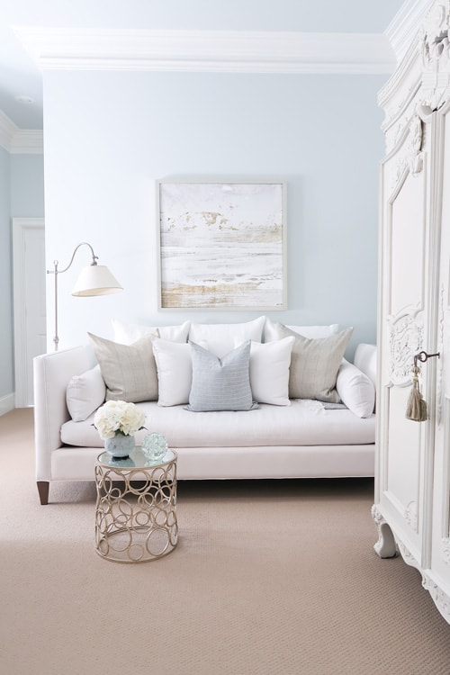 white-daybed-against-blue-wall-quiet-moments-wall-paint