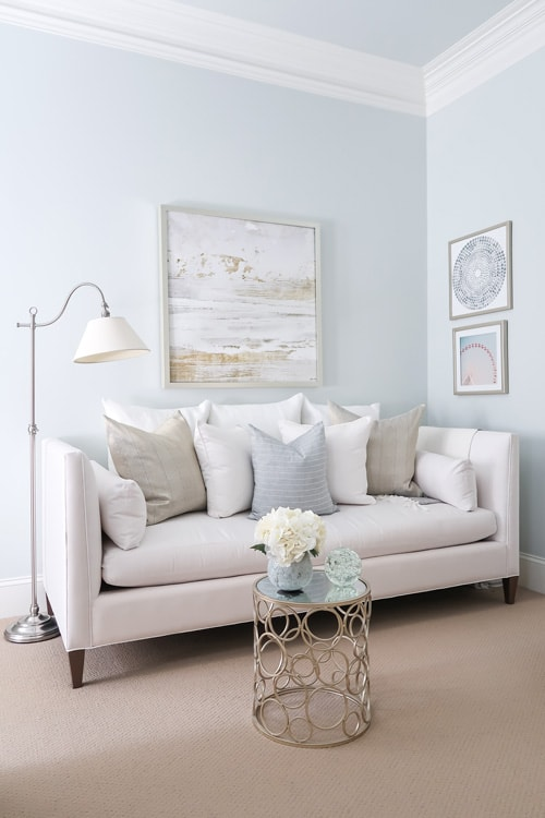 white-daybed-in-corner-of-bedroom-quiet-moments-walls