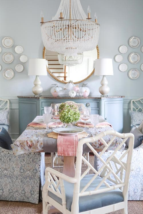 close-up-blue-dining-room-fall-table-pink-green