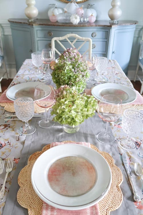 down-shot-fall-table-green-dried-hydrangeas-table-setting
